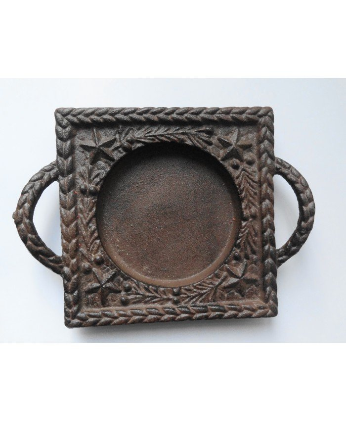 Cast iron candle holder for candles